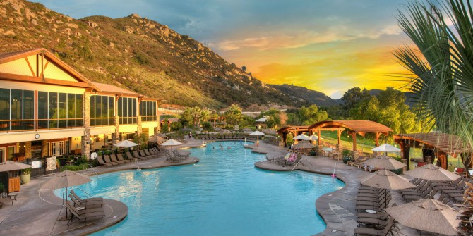 10-Irresistible-Packages-for-a-Family-Getaway-This-Labor-Day-Weekend-5f5ae3debd054a1da66d846b25179ddb
